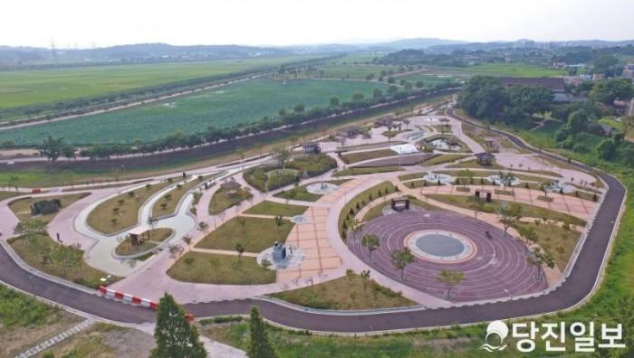 합덕제와 농어촌테마공원 전경.JPG