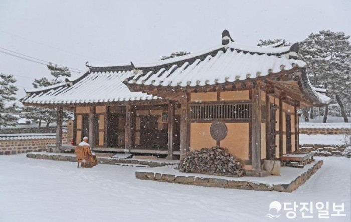 솔뫼성지 설경 (눈 내리는 김대건 신부 생가).JPG