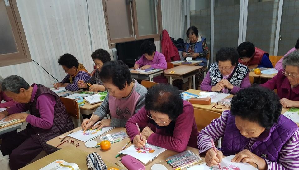 '공부하기 딱 좋은 나이죠'...당진시 찾아가는 마을한글학교 교육생 모집